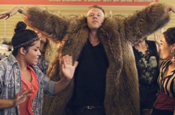c_scale-f_auto-w_706-v1460863168-tsis-2012-08-macklemore-ryan-lewis-thrift-shop-music-video-jpg-jpg